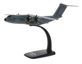 Airbus A400M 1:200 scale model