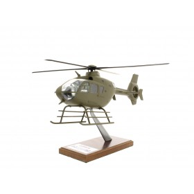 Modelo H135 entregado militar caqui a escala 1: 32