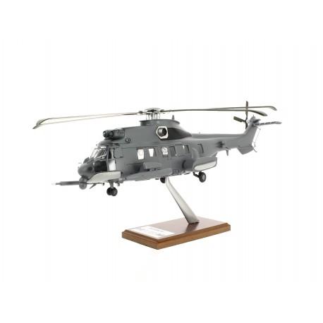 Maquette H225M CARACAL livrée Militaire échelle 1: 40