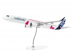 "A321neo XLR 1/100 Modell ""special livery"""