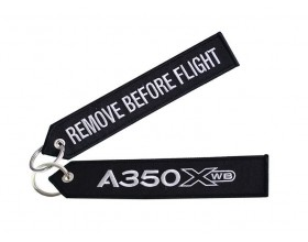 "A350 XWB ""remove before flight"" key ring"