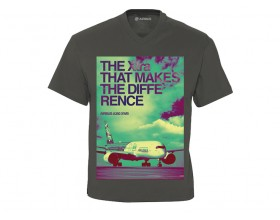 """Camiseta cuello pico A350 XWB """"The Xtra that makes the difference"""""""