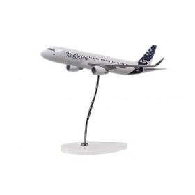 "Maquette ""executive"" A320 échelle 1:100 moteurs CFM sharklets"