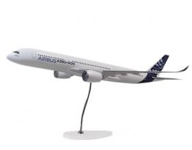 A350 XWB 1:100 scale model